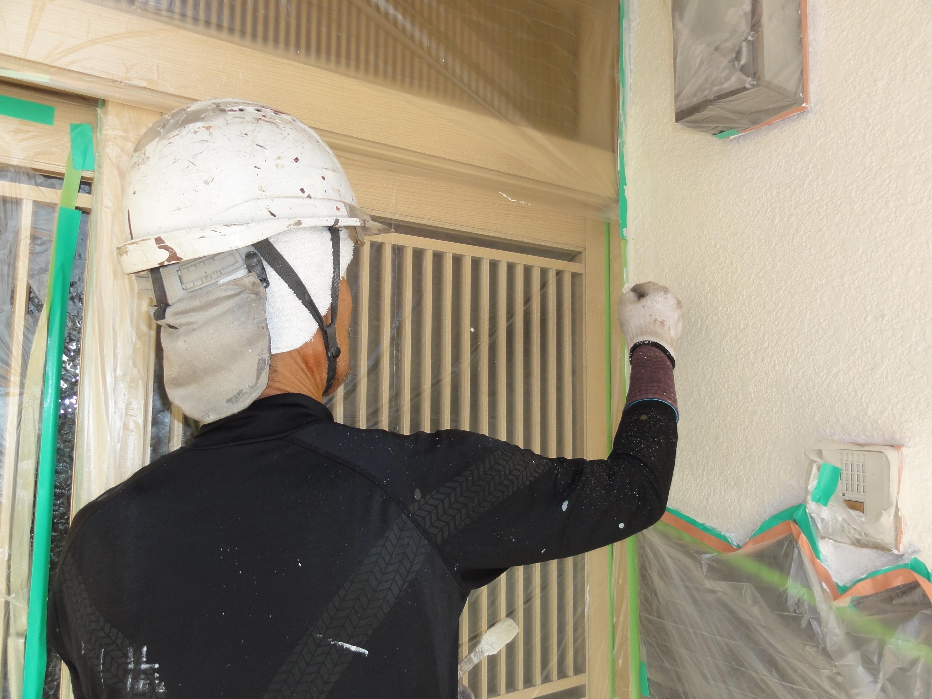 モルタル部 外壁中塗り作業中