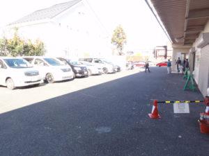 駐車場も満車になりました。