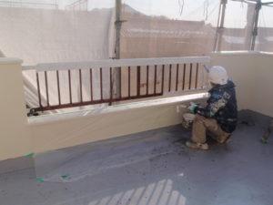 手摺塗装工事中①