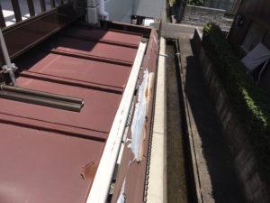 屋根、樋かくしの錆びと剥がれ