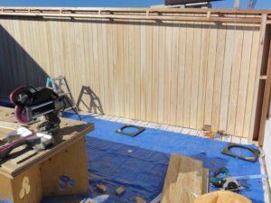 大工工事③塀板、幕板設置完了